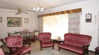 Lounges - 66 square meters of property in Brentwood Park AH