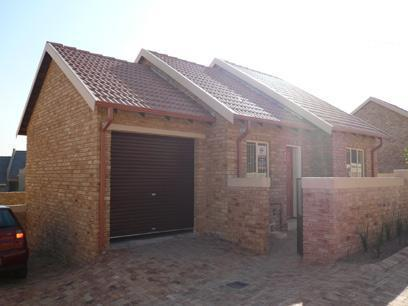2 Bedroom Simplex for Sale For Sale in Rooihuiskraal - Home Sell - MR23225