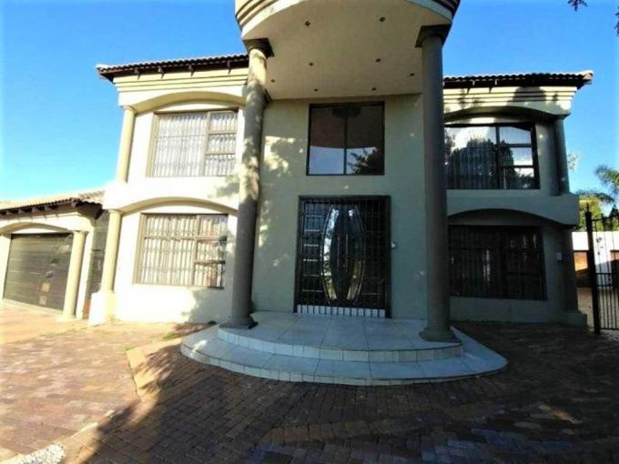 4 Bedroom House for Sale For Sale in Laudium - MR232550