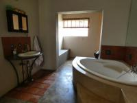 Bathroom 1 - 10 square meters of property in Hartbeespoort