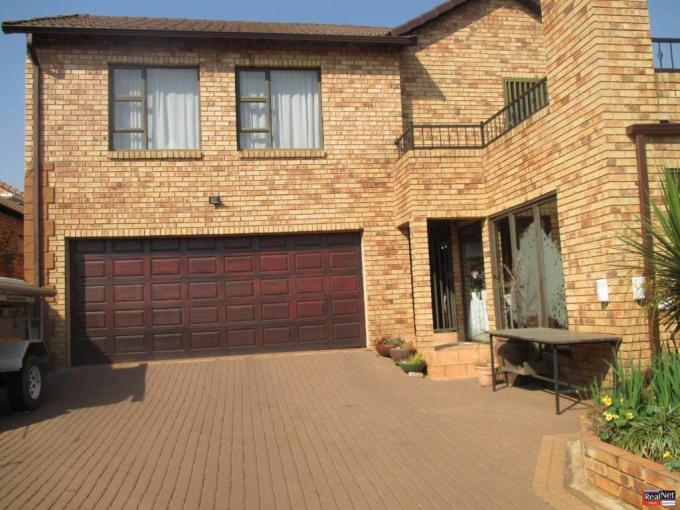 4 Bedroom Simplex for Sale For Sale in Oriel - MR233456