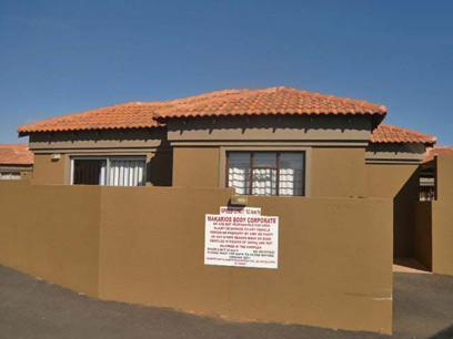 2 Bedroom Simplex for Sale For Sale in Randfontein - Private Sale - MR23363