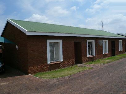 2 Bedroom Simplex for Sale For Sale in Polokwane - Private Sale - MR23403