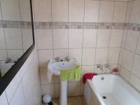 Bathroom 1 - 6 square meters of property in Cosmo City