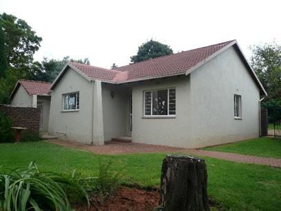 Standard Bank Repossessed 3 Bedroom House for Sale For Sale in Weltevreden Park - MR23460