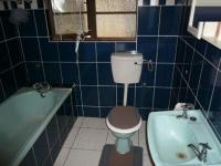 Bathroom 1 - 5 square meters of property in Parow Central