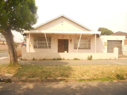 Standard Bank Repossessed 3 Bedroom House for Sale For Sale in Regents Park - MR23533