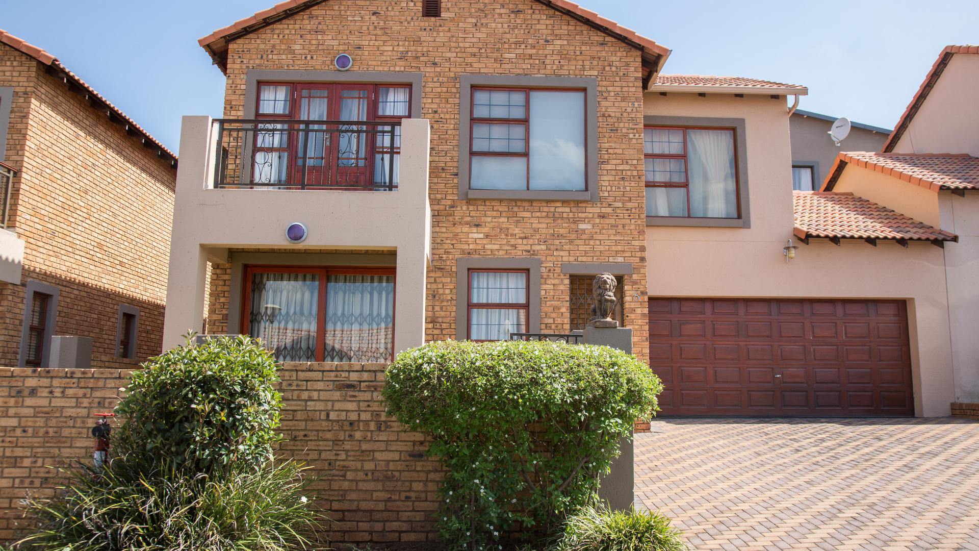 Front View of property in Krugersdorp