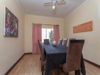 Dining Room - 16 square meters of property in Roodepoort North