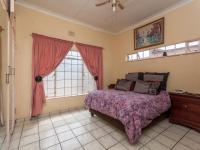 Main Bedroom - 22 square meters of property in Roodepoort North