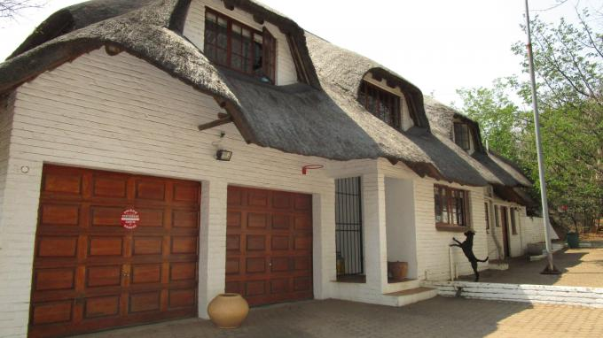 Standard Bank EasySell 3 Bedroom House for Sale For Sale in Douglasdale - MR237681