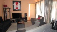 Lounges - 29 square meters of property in Norkem park
