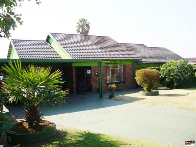 3 Bedroom House for Sale For Sale in Modelpark - MR239817