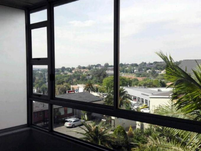 2 Bedroom Apartment to Rent in Craighall Park - Property to rent - MR240278