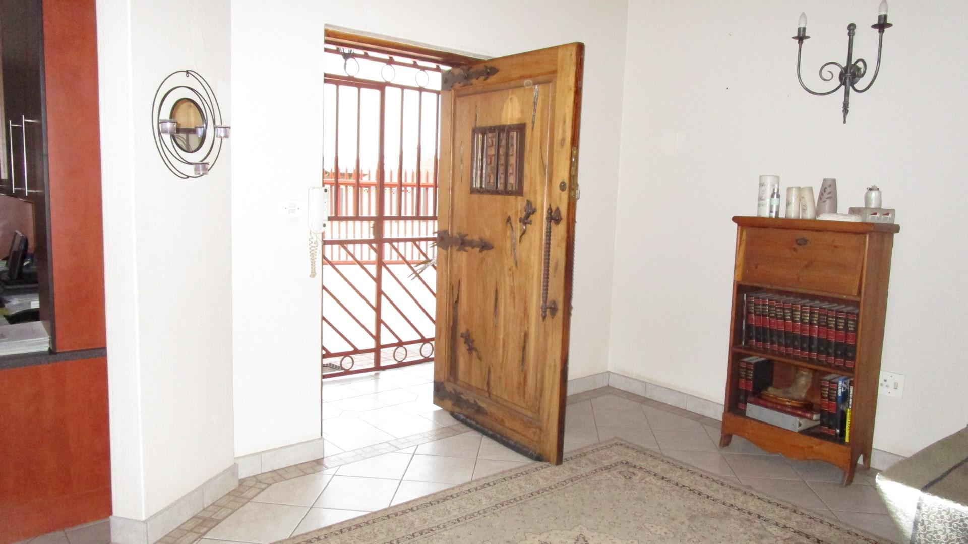 Spaces - 58 square meters of property in Dalpark