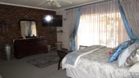 Main Bedroom - 39 square meters of property in Dalpark
