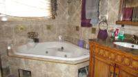 Main Bathroom - 7 square meters of property in Dalpark
