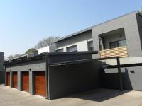 2 Bedroom 2 Bathroom Flat/Apartment to Rent for sale in Menlo Park