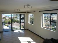 Lounges - 18 square meters of property in Bloubergstrand