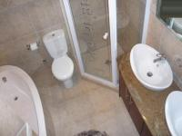 Main Bathroom - 5 square meters of property in Bloubergstrand