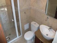 Bathroom 1 - 2 square meters of property in Bloubergstrand