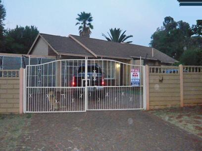 4 Bedroom House for Sale For Sale in Brakpan - Home Sell - MR24288