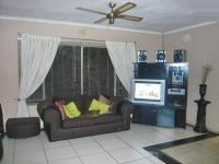Lounges - 30 square meters of property in Brakpan