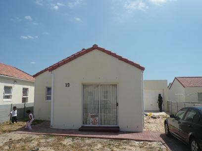 3 Bedroom Simplex for Sale For Sale in Strand - Home Sell - MR24318