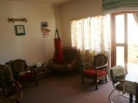 Lounges - 24 square meters of property in Muizenberg