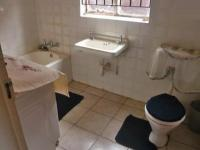 Bathroom 1 - 1 square meters of property in Claremont - JHB