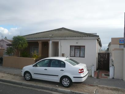 3 Bedroom House for Sale For Sale in Kensington - CPT - Home Sell - MR24368