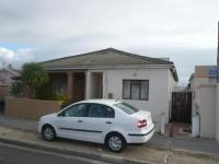 3 Bedroom 2 Bathroom in Kensington - CPT