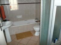 Main Bathroom - 7 square meters of property in Monavoni