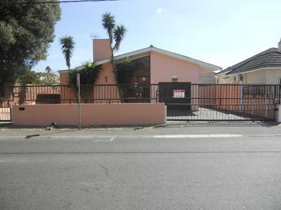 Standard Bank Repossessed 4 Bedroom House for Sale For Sale in Bellville - MR24450