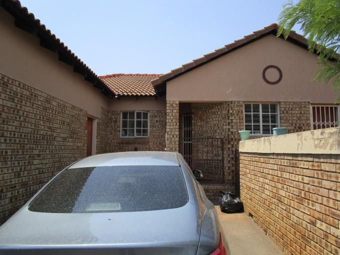 Standard Bank EasySell 3 Bedroom Sectional Title for Sale For Sale in Kyalami Hills - MR245234