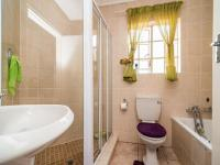 Bathroom 1 - 5 square meters of property in Kyalami Hills