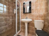 Bathroom 2 of property in Kyalami Hills