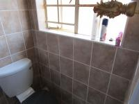 Main Bathroom - 3 square meters of property in Kyalami Hills