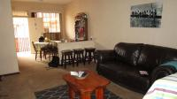 Lounges - 15 square meters of property in Sunnyridge
