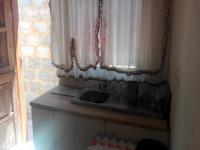 Kitchen - 9 square meters of property in Etwatwa