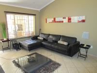 Lounges - 18 square meters of property in Pretorius Park