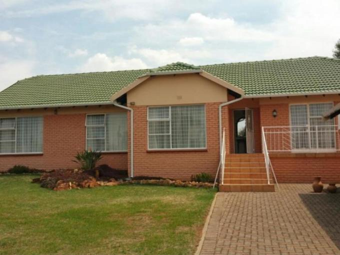 3 Bedroom House for Sale For Sale in Wilropark - MR248751