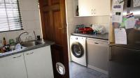 Kitchen - 13 square meters of property in Sonneglans