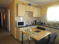Kitchen - 10 square meters of property in Bedworth Park