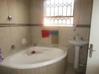 Bathroom 1 - 6 square meters of property in Goudrand