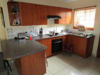 Kitchen - 11 square meters of property in Wilgeheuwel
