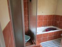 Bathroom 1 - 6 square meters of property in Wilgeheuwel