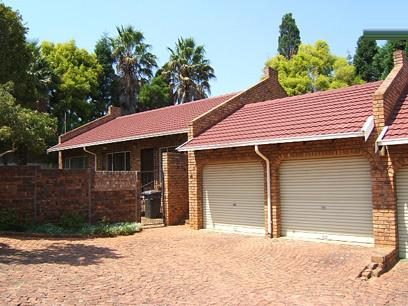 3 Bedroom Simplex For Sale in Garsfontein - Home Sell - MR25098