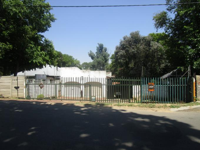 Standard Bank EasySell 4 Bedroom House for Sale For Sale in Lombardy East - MR251467