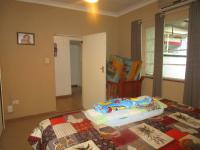 Bed Room 2 - 17 square meters of property in Lombardy East